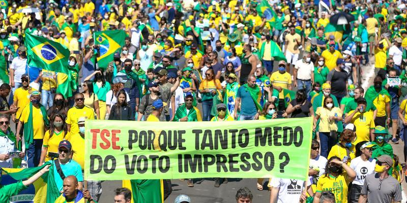 Manifestações pelo voto auditável reúnem milhares de pessoas em em diversas capitais